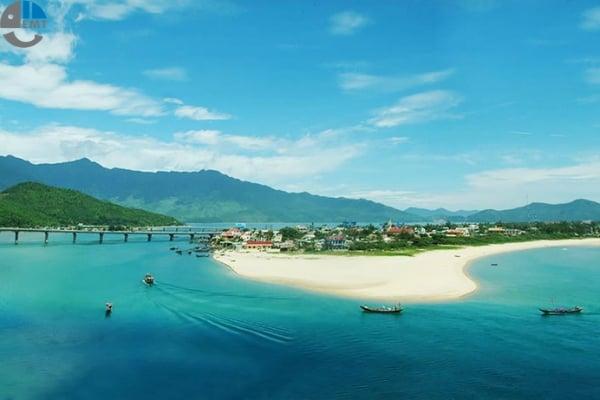Image result for Biển Lăng Cô