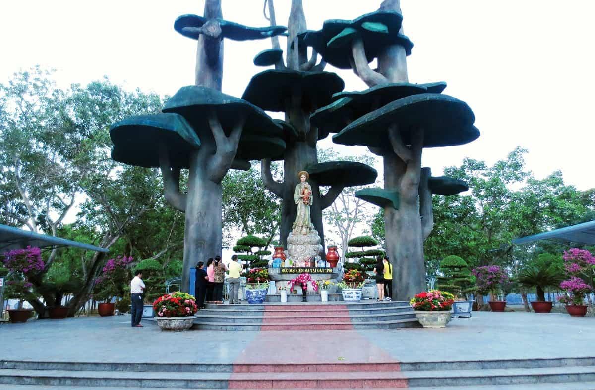 Tour Hành Hương